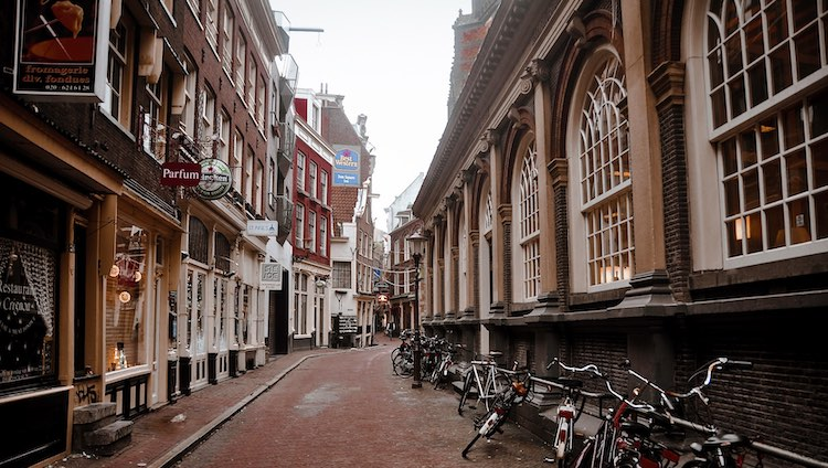Lege-straat-amsterdam